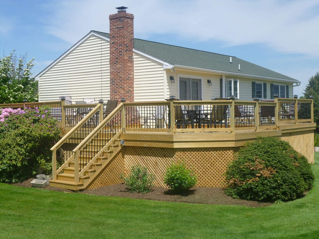 Wood Deck with Lattice